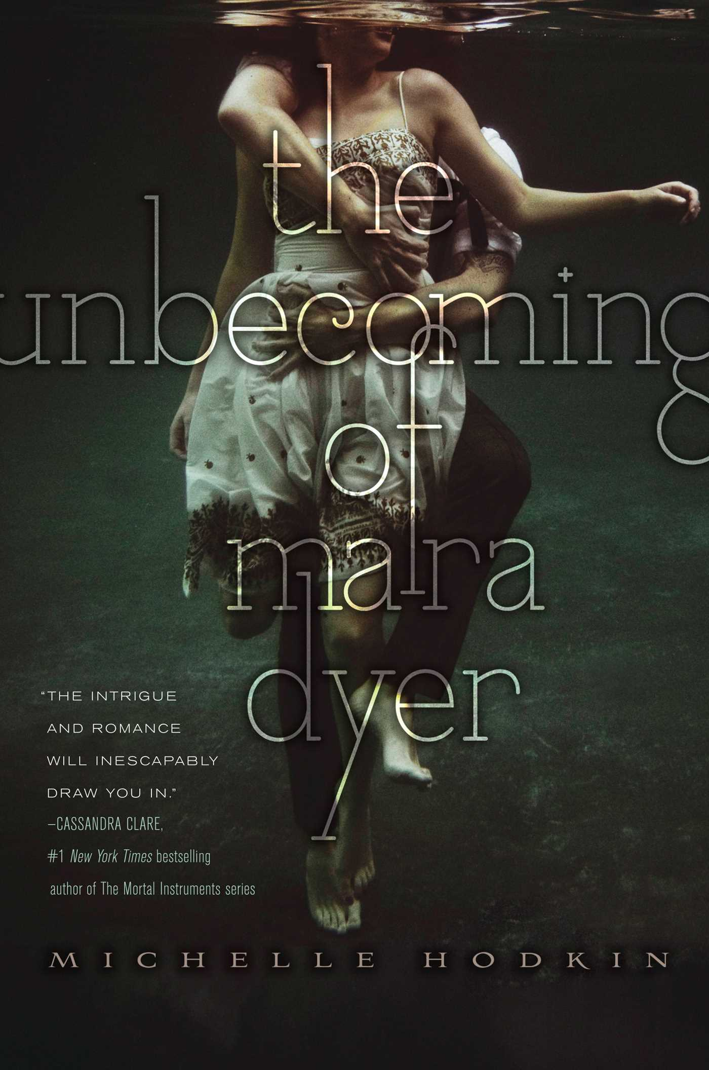Cover Image of The Unbecoming of Mara Dyer
